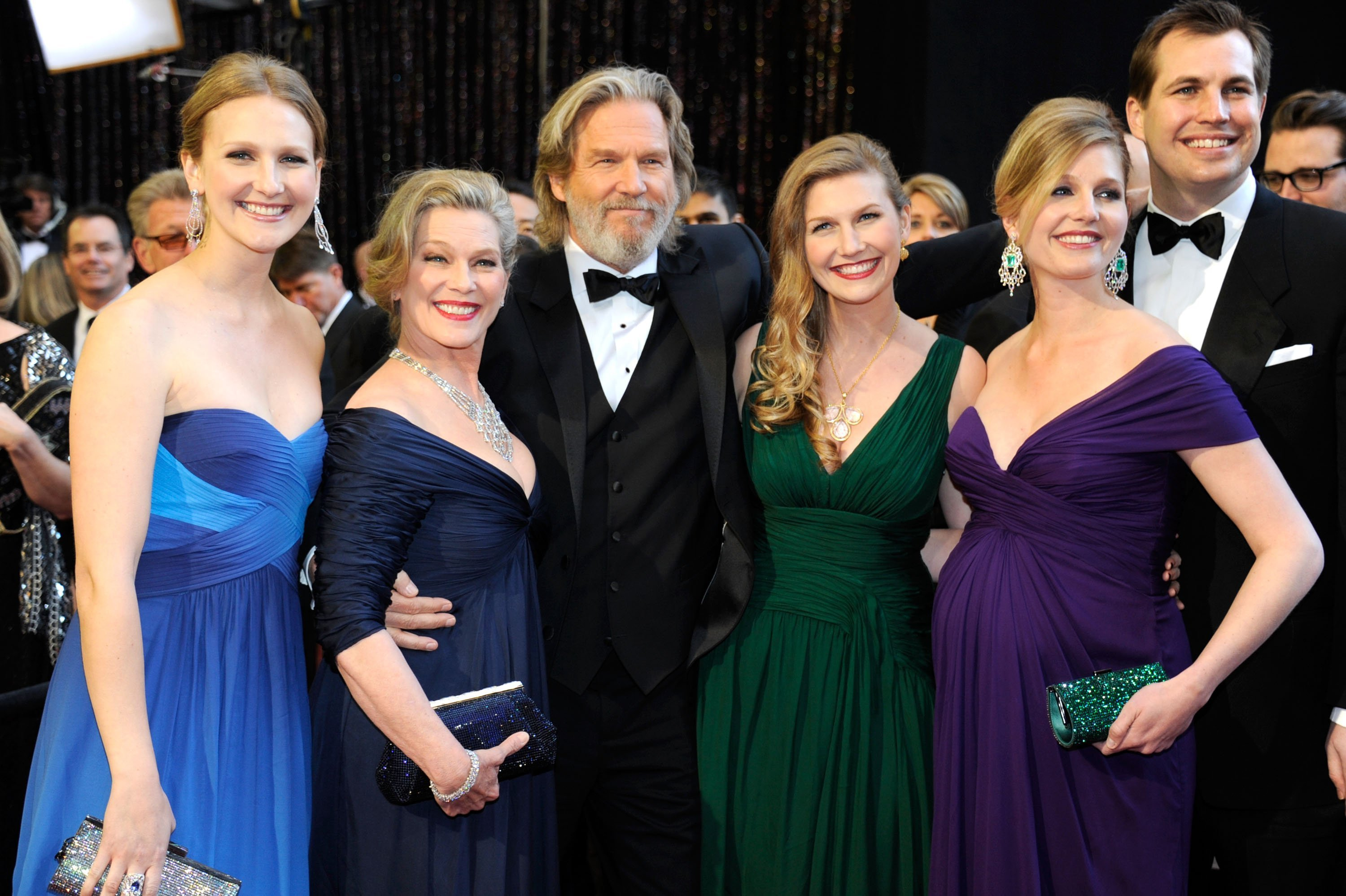 Jeff Bridges, wife Susan Bridges and family arrive at the 83rd Annual Academy Awards on February 27, 2011. | Source: Getty Images