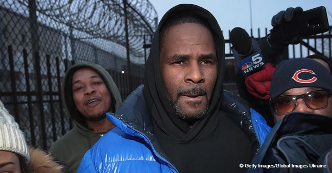 R. Kelly's Girlfriends Speaks out & Defends Singer, Say Those Who Believe Allegations Are 'Stupid'