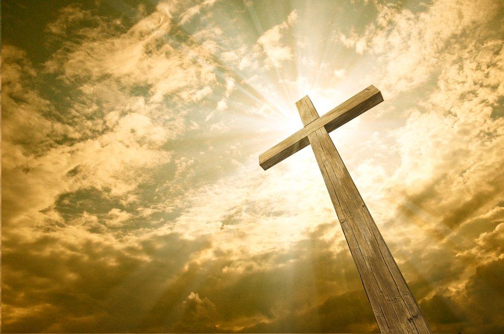 Cruz contra el cielo.| Fuente: Shutterstock