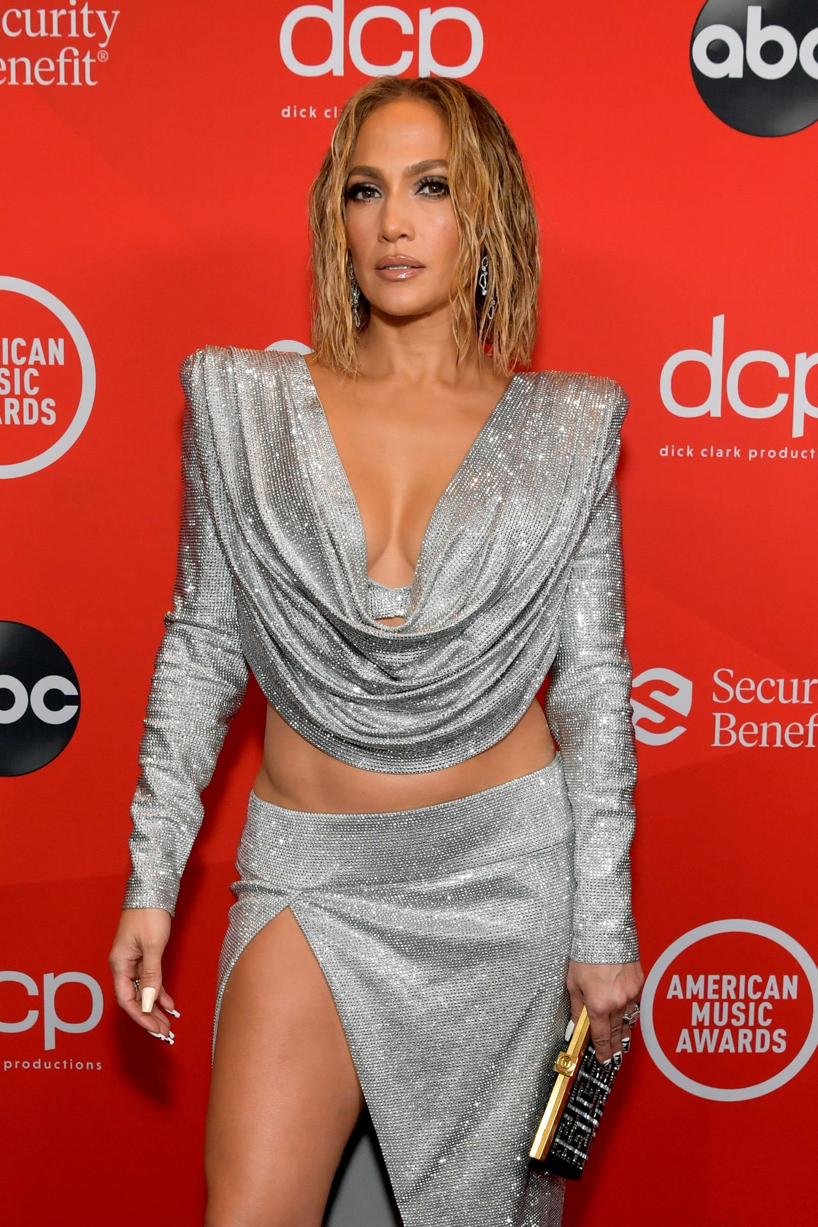 ennifer Lopez at the 2020 American Music Awards at Microsoft Theater on November 22, 2020.   Getty Images