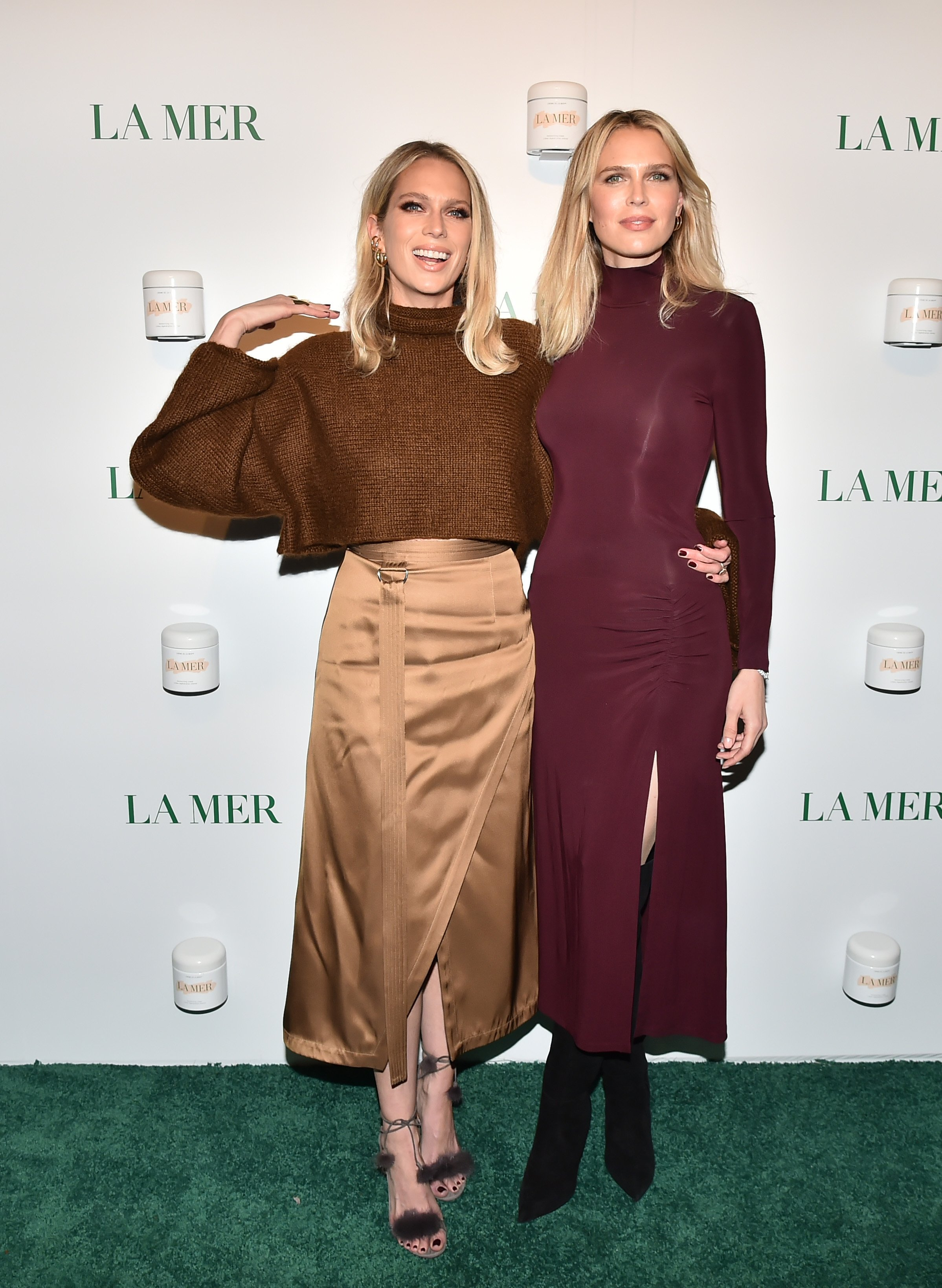 Sara Foster and Erin Foster attend La Mer By Sorrenti Campaign at Studio 525 on October 03, 2019, in New York City. | Source: Getty Images.