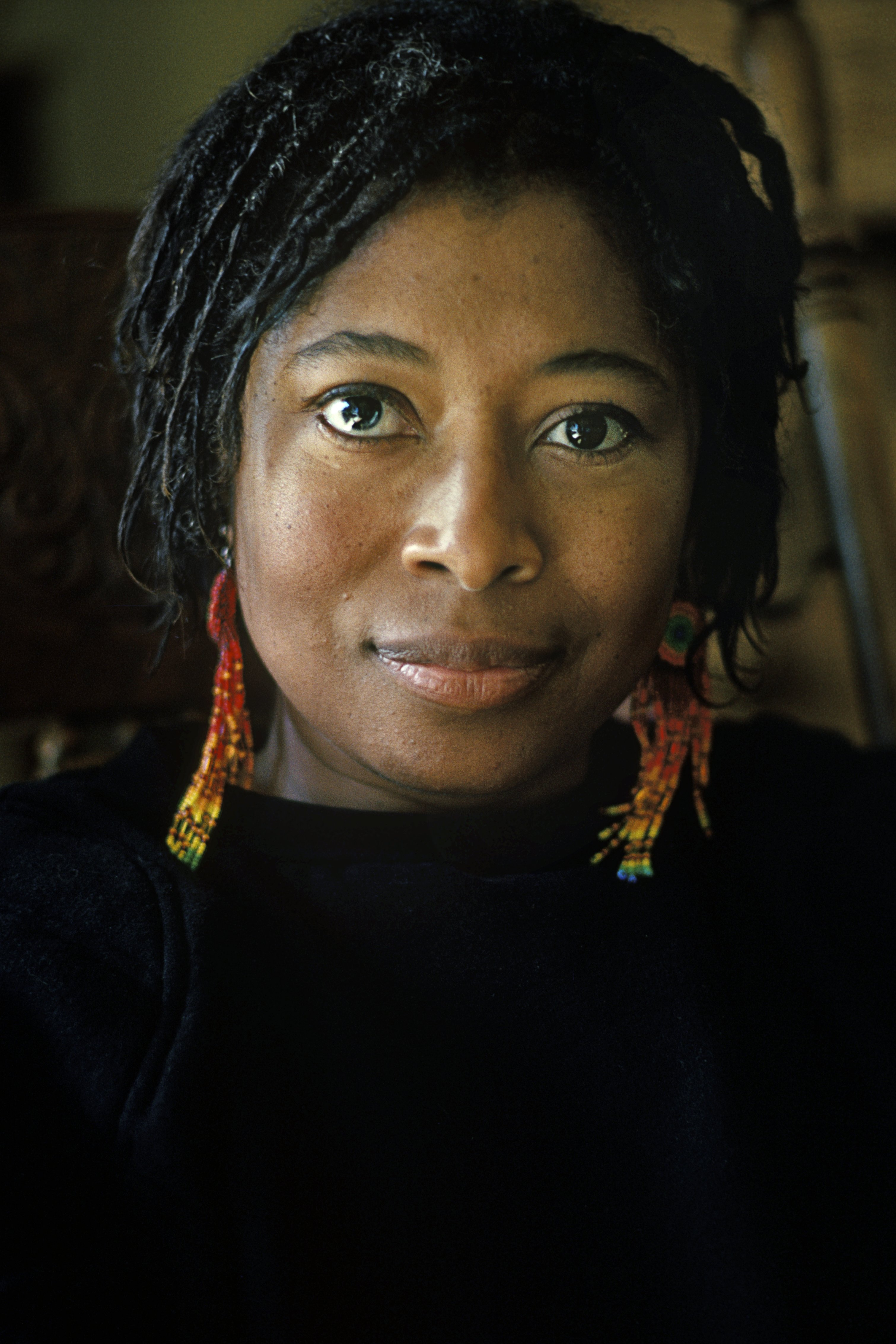 Alice Walker , Best known for her novel 'The Color Purple', poses for portrait at home in San Francisco in January, 1985 | Photo: Getty Images