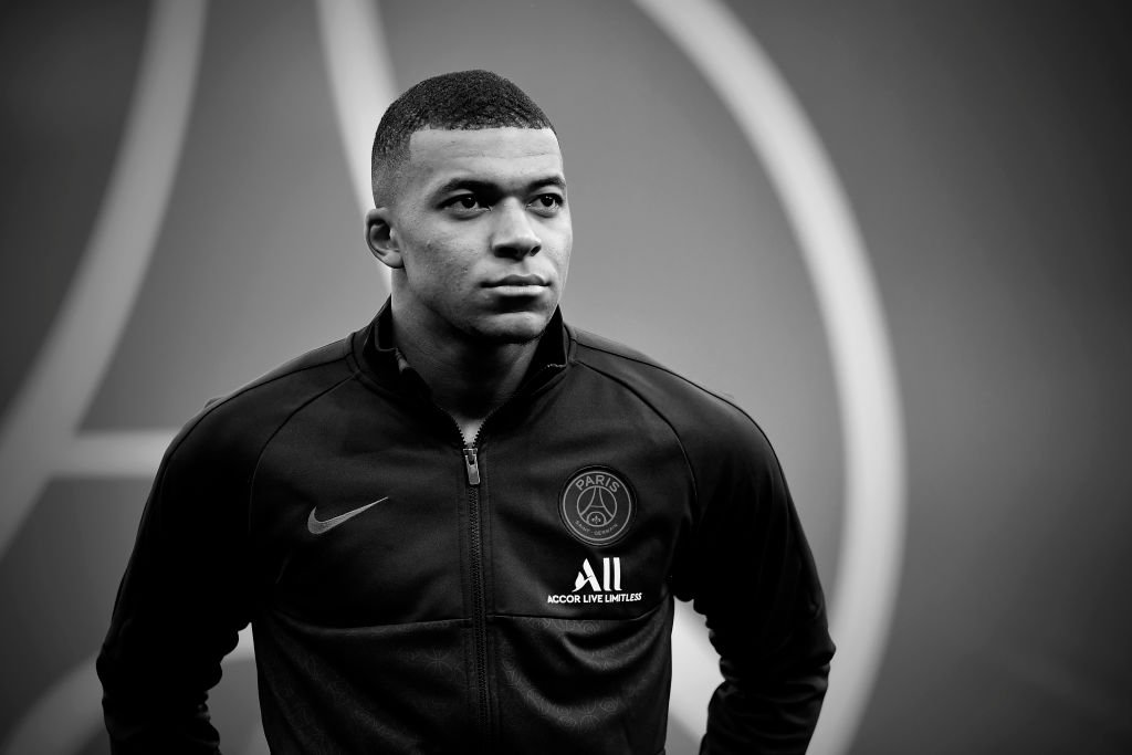 Kylian Mbappe du Paris Saint-Germain avant le match de Ligue 1 entre le Paris Saint-Germain et le FCO de Dijon au Parc des Princes le 29 février 2020 à Paris, France. | Photo : Getty Images