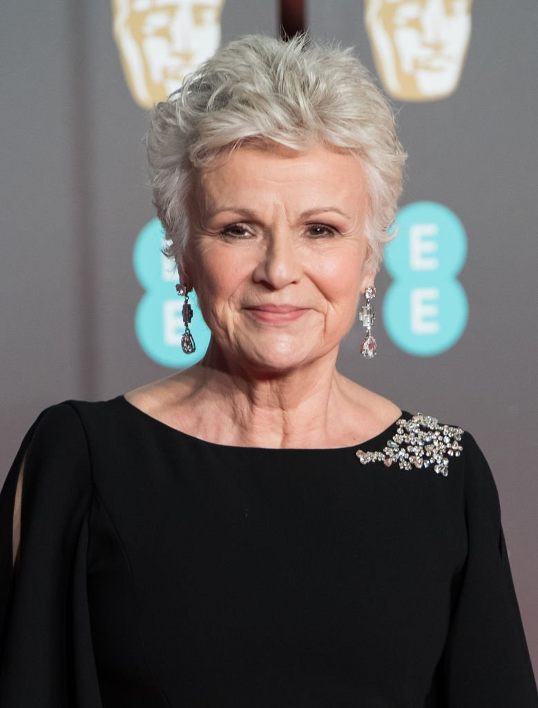 Julie Walters assiste aux EE British Academy Film Awards (BAFTAs) qui se tiennent au Royal Albert Hall le 18 février 2018 à Londres, en Angleterre. | Photo : Getty Images