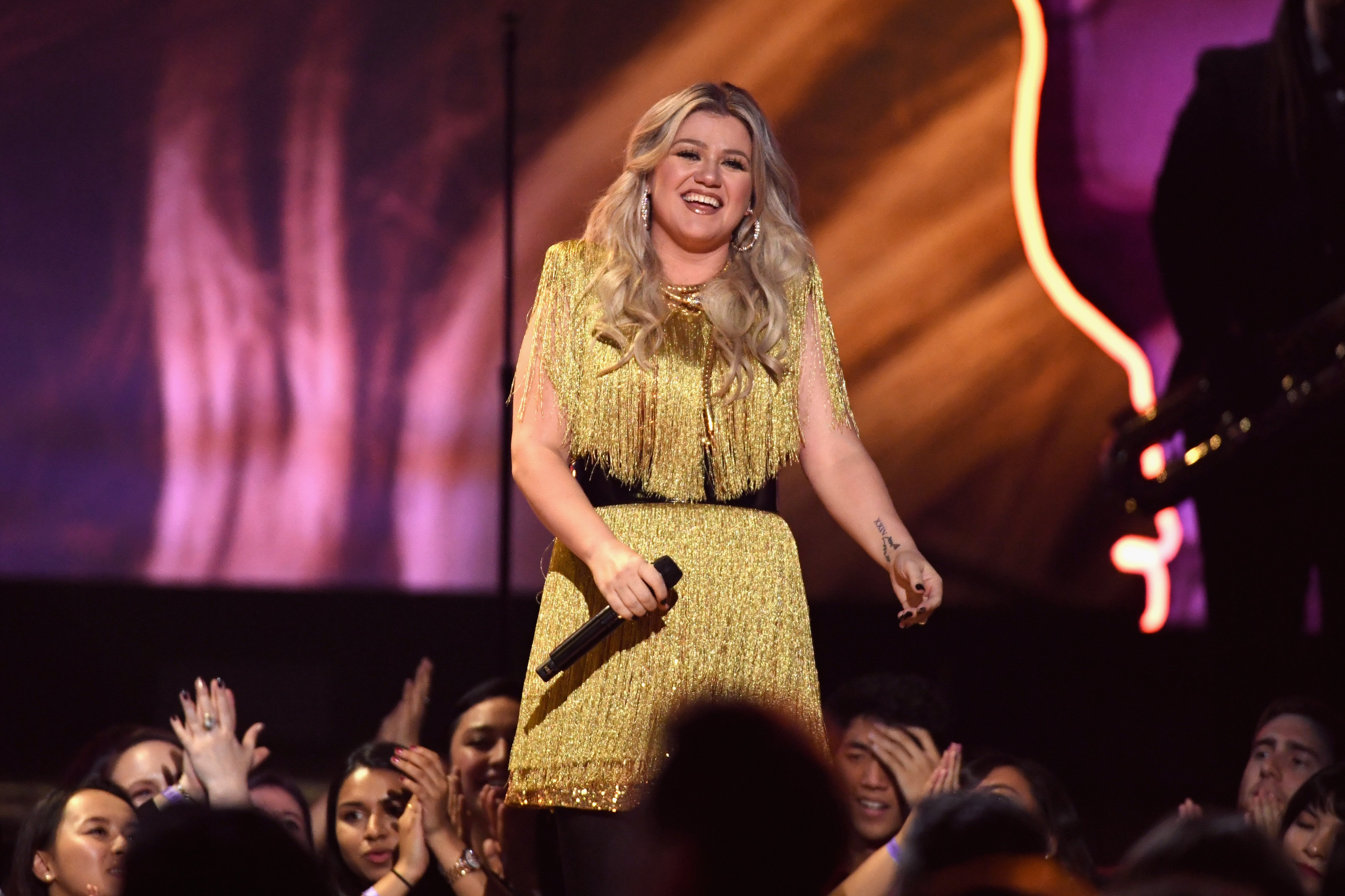 Kelly Clarkson performs at the Billboard Music Awards in Las Vegas, Nevada on May 20, 2018   Photo: Getty Images