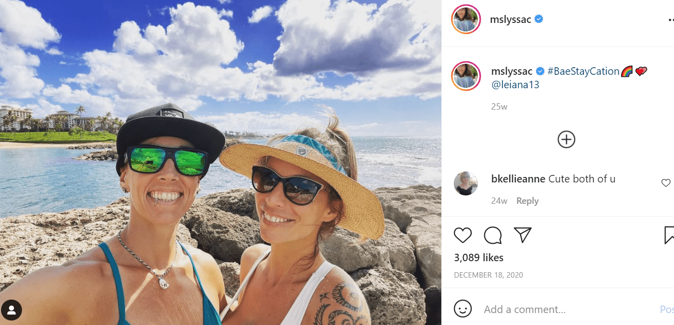 Pictured - A photograph of Lyssa Chapman and her fiancee Leiana Evensen on an outing wearing sunglasses and hats | Source: Instagram/@mslyssac