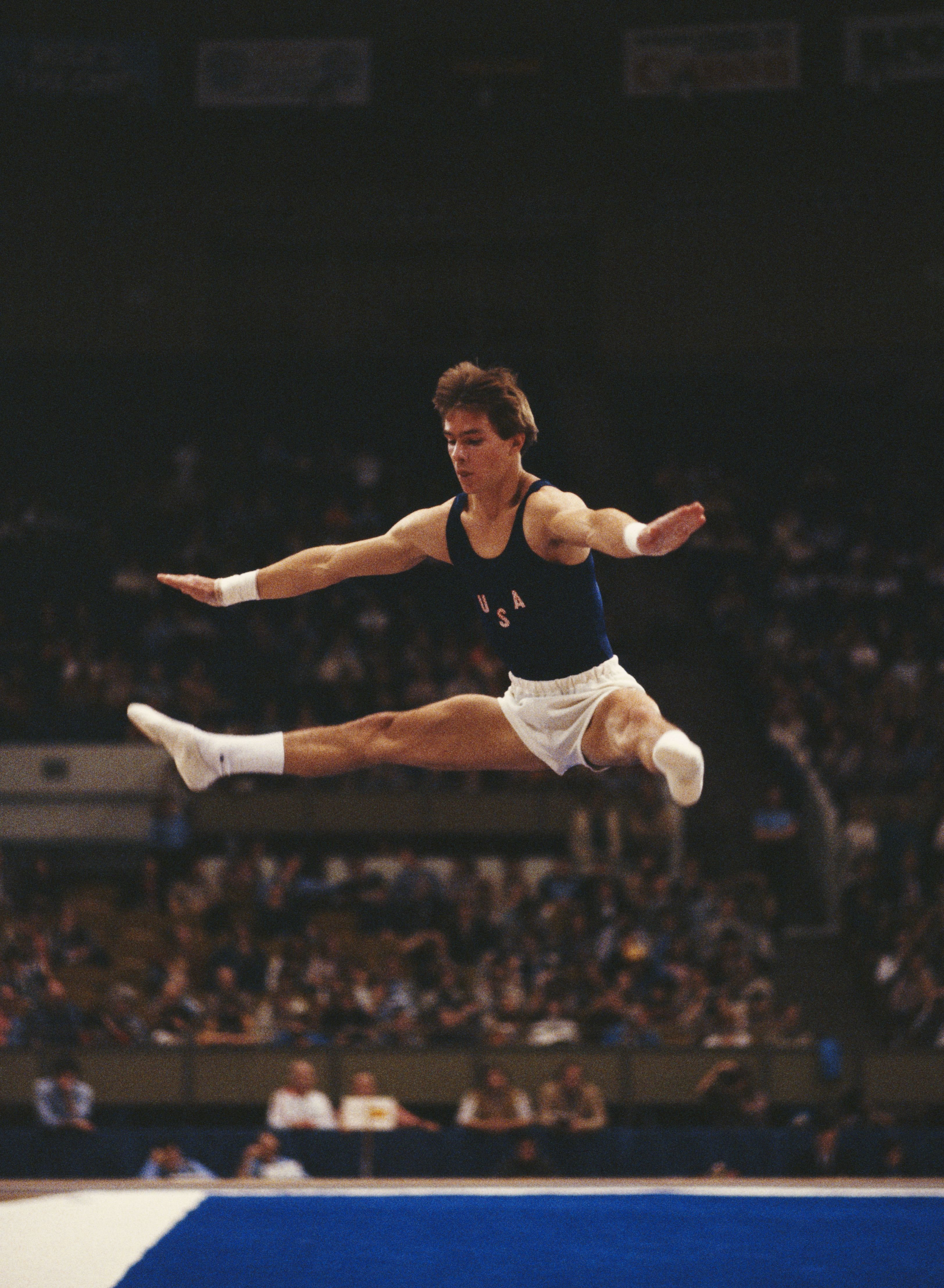 Kurt Thomas of the United States performing during the Men's All-around event during the 1979 World Artistic Gymnastics Championships in Fort Worth, Texas, United States | Photo: Tony Duffy/Getty Images