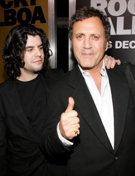 Sage Stallone y Frank Stallone en el Teatro Chino de Grauman el 13 de diciembre de 2006 en Hollywood, California | Fuente: Getty Images