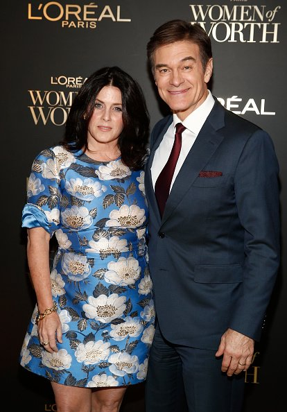 Lisa Oz and Dr. Oz at The Pierre Hotel on December 5, 2018 in New York City. | Photo: Getty Images