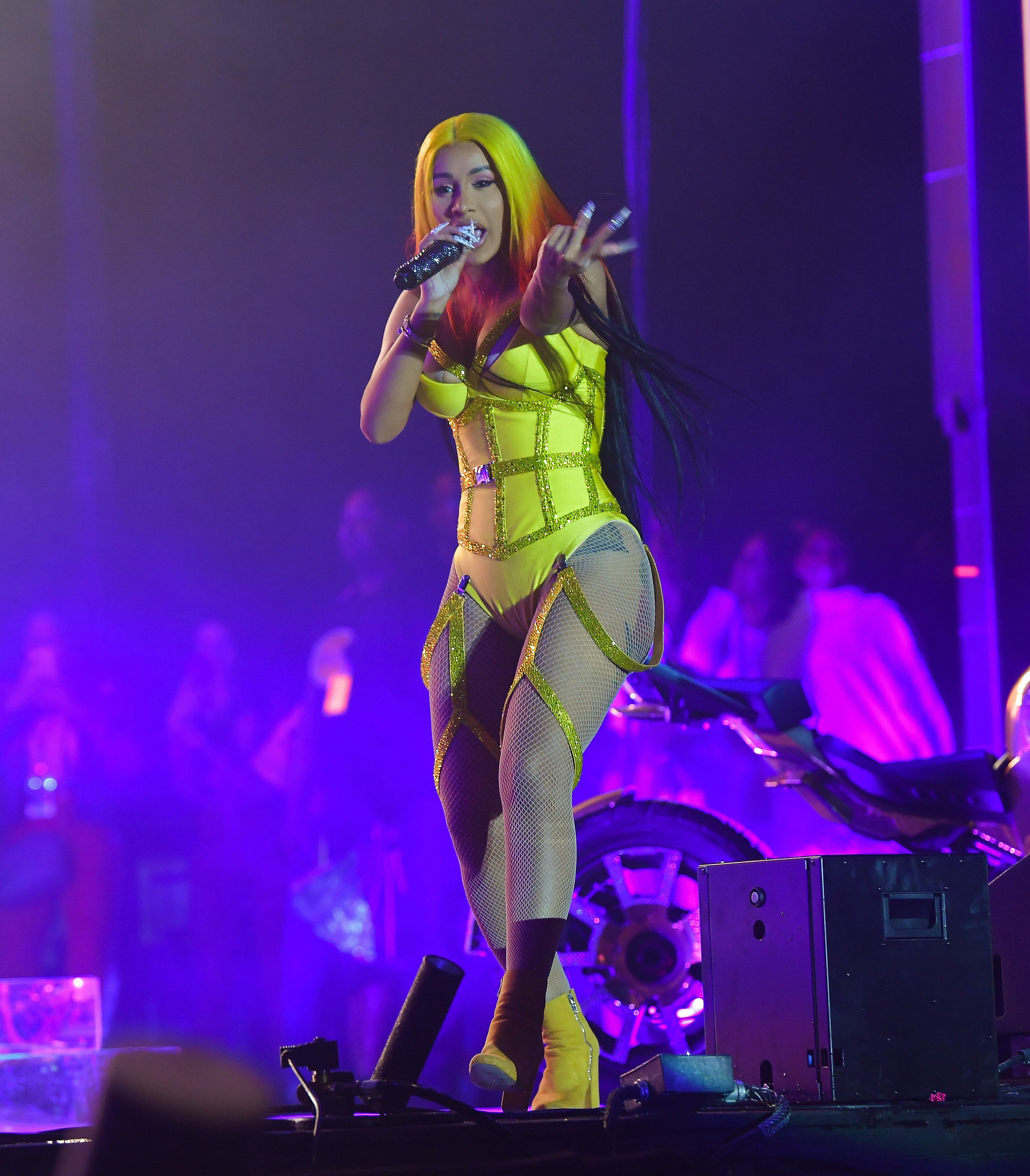 Cardi B performs at Vewtopia Music Festival 2020  at Miami Gardens Park on February 1, 2020 | Photo: Getty Images
