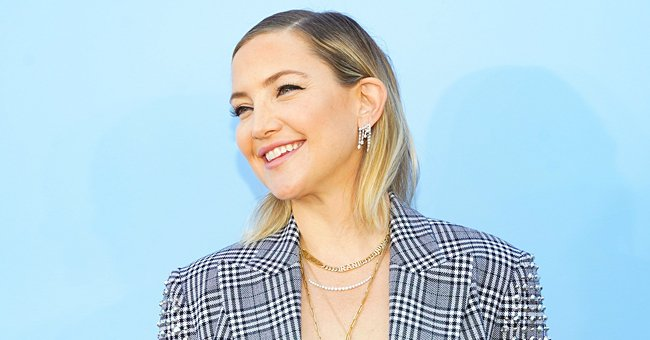 Kate Hudson Shows Final Preparations for Christmas with Family Including Mother Goldie Hawn