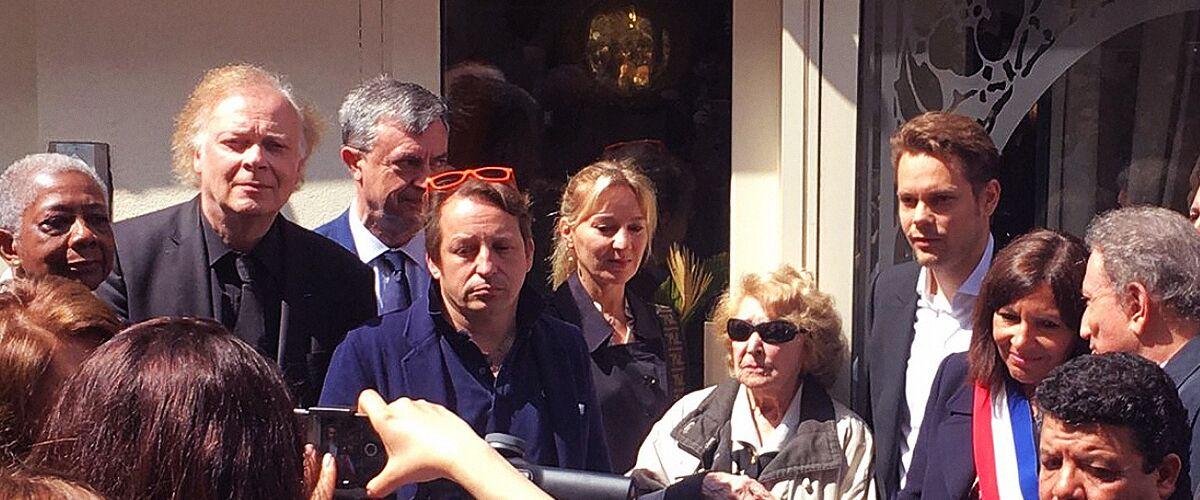 La famille de Charles Aznavour lui fait une surprise émouvante pour son 95e anniversaire