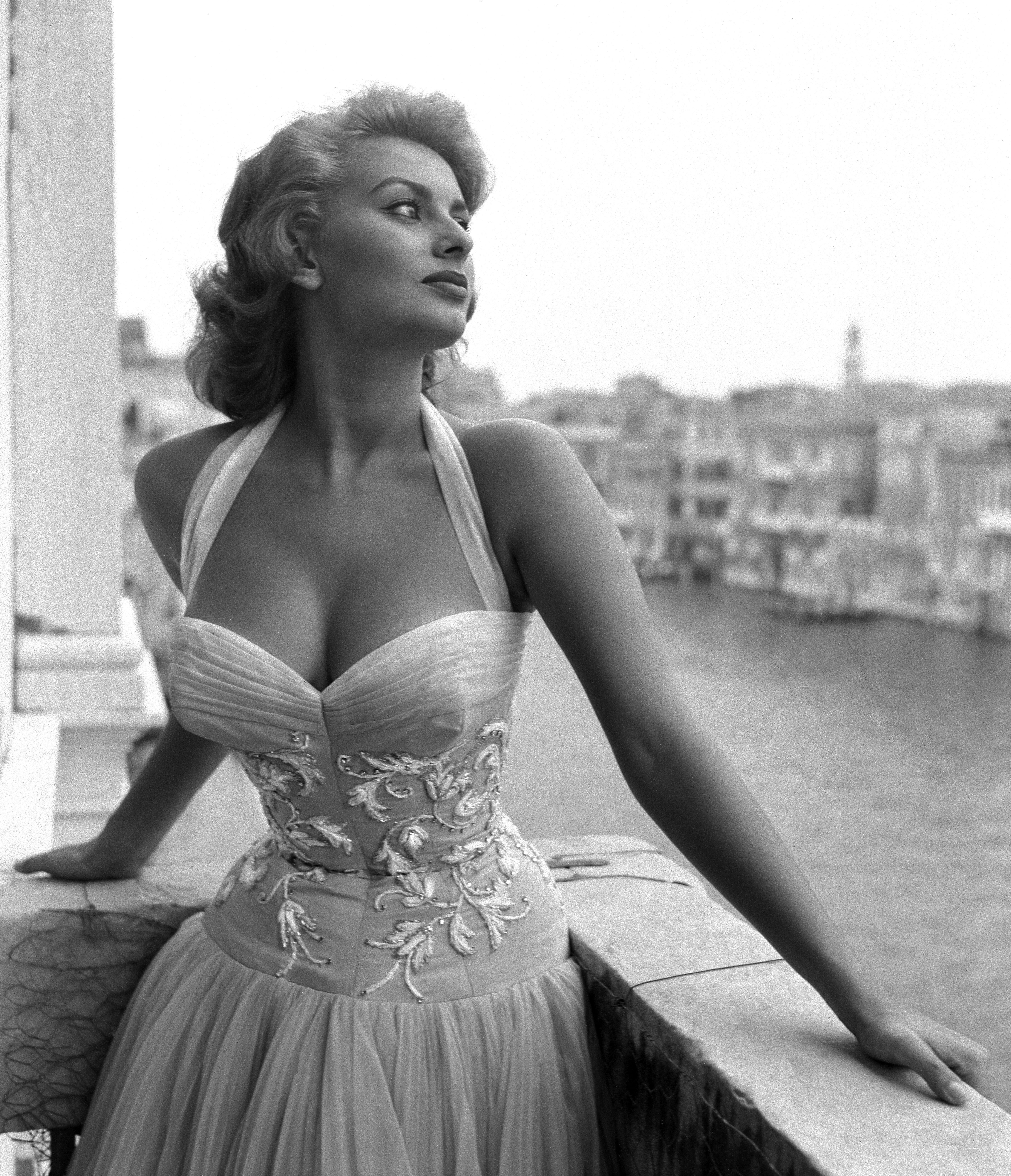 Sophia Loren on a terrace on the Canal Grande in Venice, 1955 | Source: Getty Images