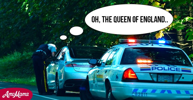 The Queen's car was pulled over by police. | Photo: Shutterstock