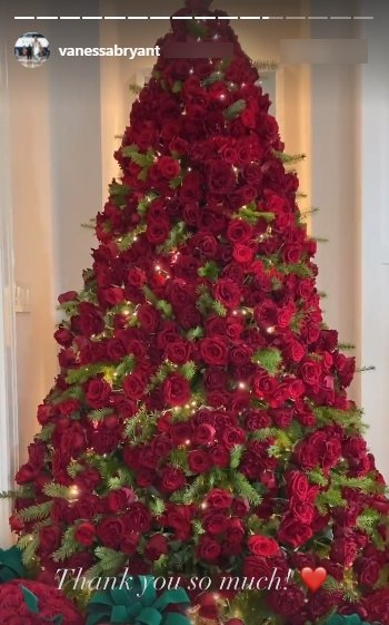 A picture of a tree of roses Vanessa Bryant received as gift from Jeff Leatham.   Photo: Instagram/Vanessabryant