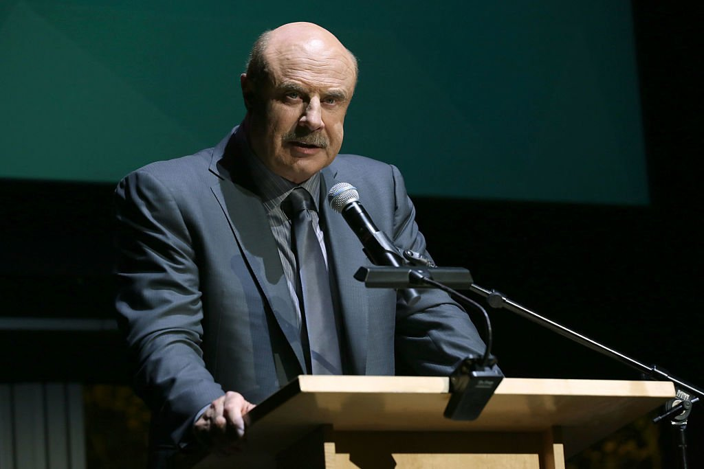 Dr. Phil McGraw speaking at the Children's Museum in California in November 2016. | Photo: Getty Images