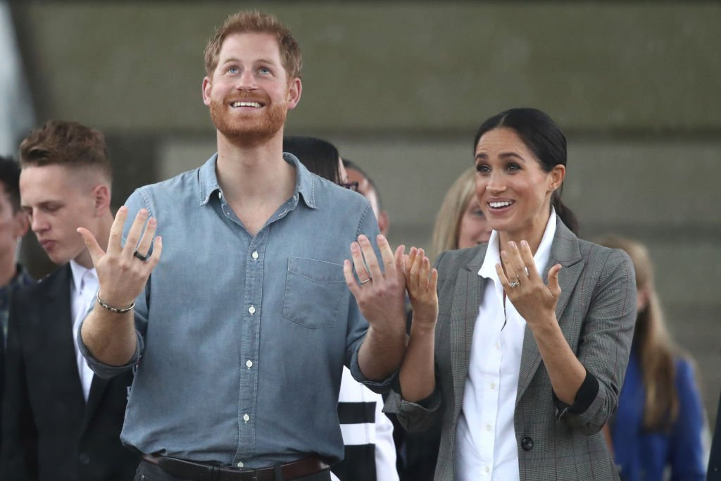 Meghan Markle and Prince Harry during their visit to Dubbo on October 17, 2018, in Dubbo, Australia. | Source: Getty Images.