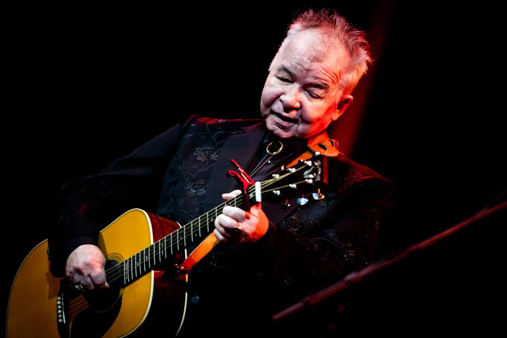 John Prine performs at John Anson Ford Amphitheatre on October 01, 2019 | Photo: Getty Images