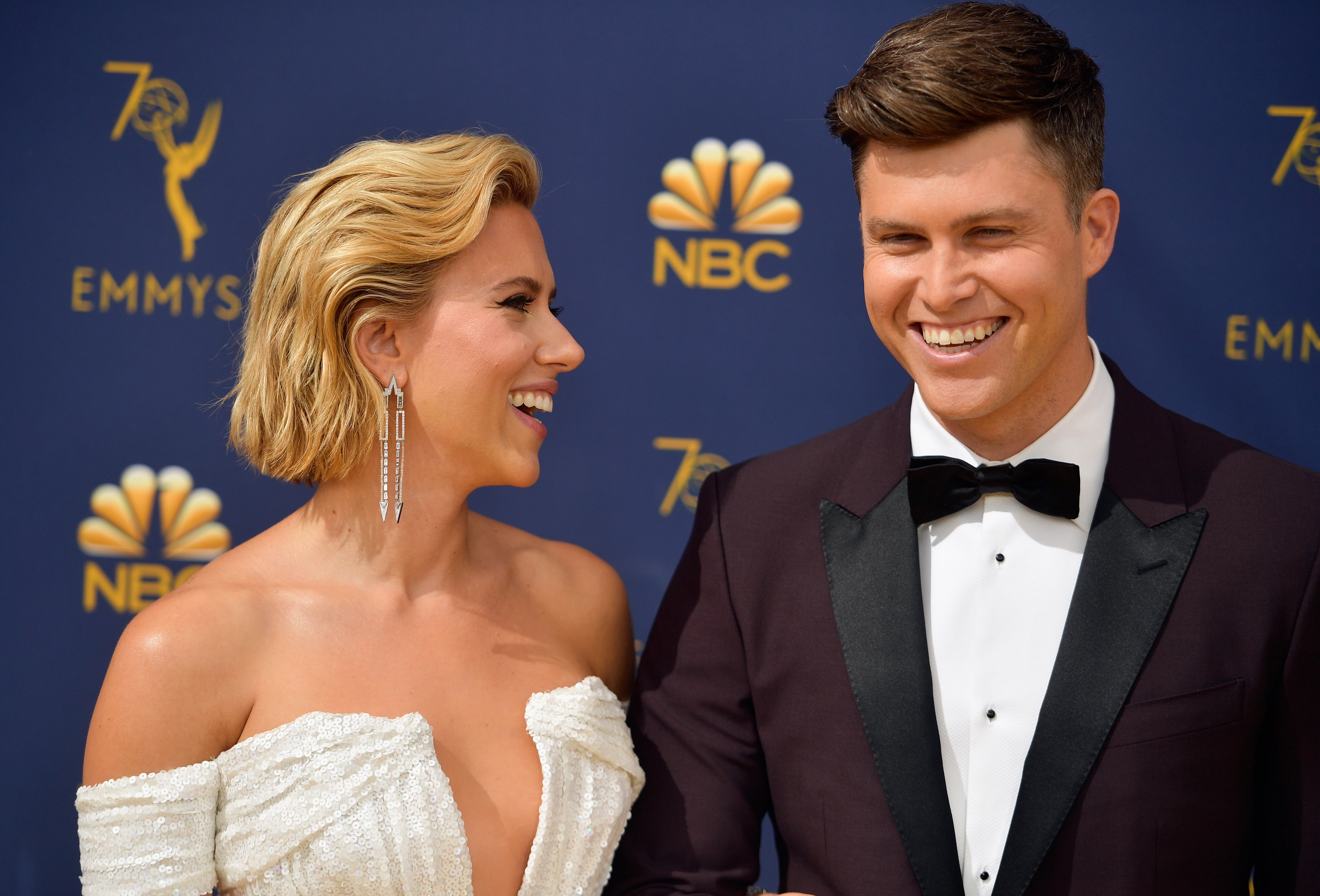 Scarlett Johansso and Colin Jost at the 70th Emmy Awards at Microsoft Theater on September 17, 2018 in Los Angeles, California. | Source: Getty Images
