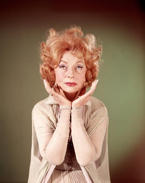 """Agnes Moorehead on the set """"Bewitched"""" 