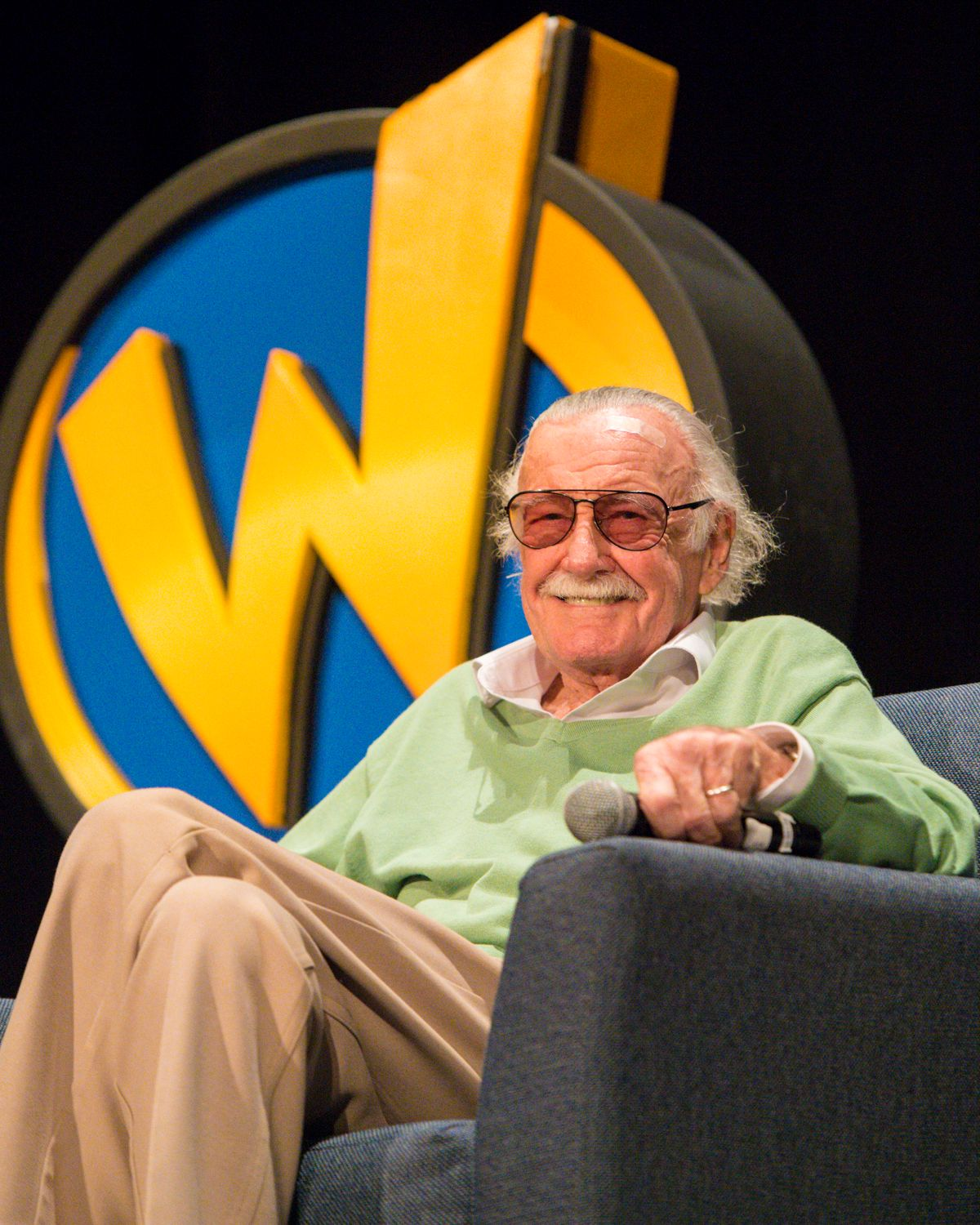 Stan Lee during a Q&A at Wizard World Comic Con at Ernest N. Morial Convention Center on January 6, 2018 | Photo: Getty Images