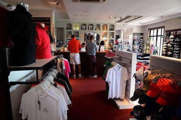 Vista de una tienda de golf. | Imagen: Getty Images