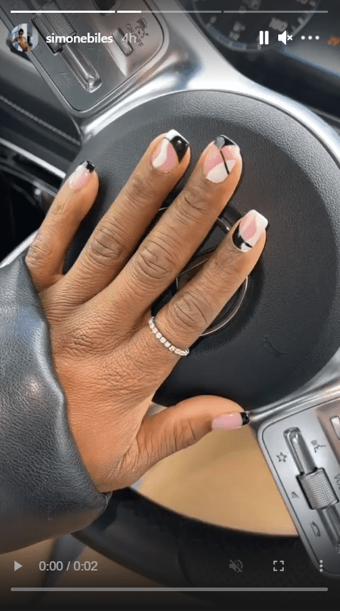 Simone Biles shares a clip of her fixed nails and ring. | Photo: Instagram/Simonebiles