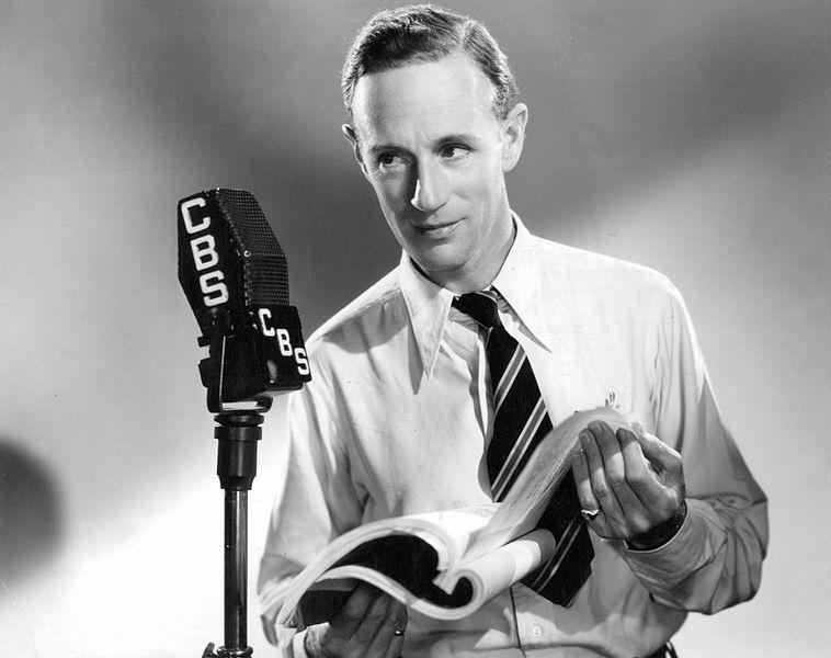 Foto de Leslie Howard actuando en una presentación de radio de 'Mucho ruido y pocas nueces' de Shakespeare. Año 1937. | Imagen: Wikimedia Commons