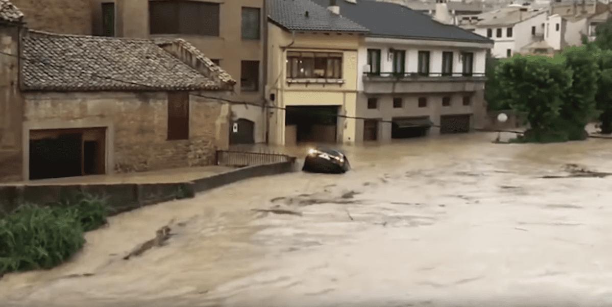 Imagen de las inundaciones en Navarra, España. | Imagen: YouTube/EL PAÍS