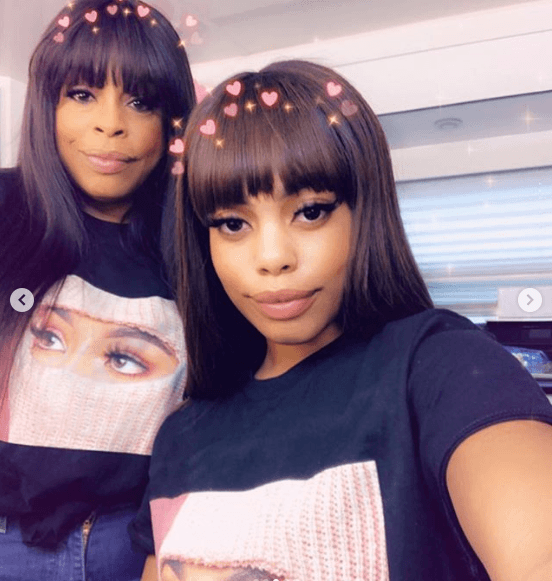 Mom and daughter captured fans' hearts with their beauty. | Photo: Instagram/niecynash1