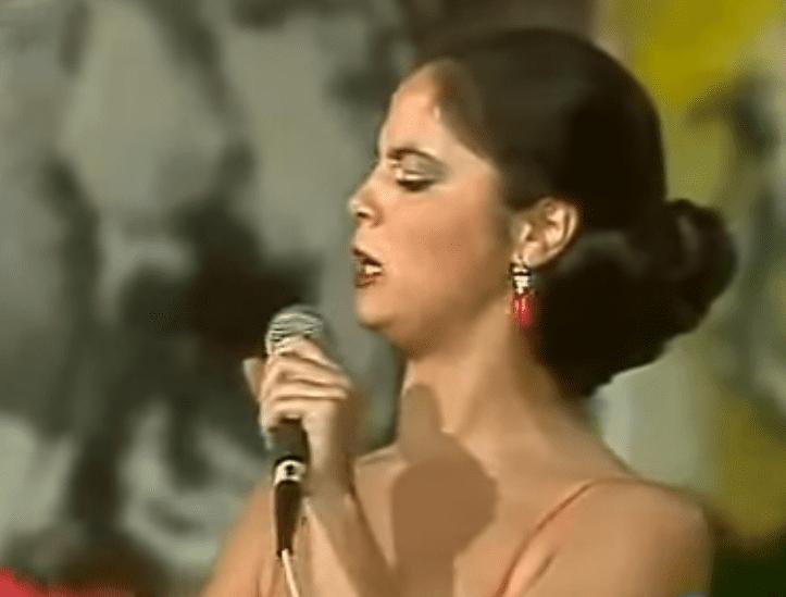 María del Monte Tejado Algaba, participante de 'Canción Española' en el programa 'Gente Joven', año 1982.   Imagen: YouTube/Adrián