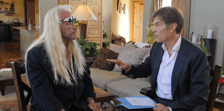 Duane 'Dog' Chapman chatting with Dr. Oz at his home in Denver, Colorado | Photo: The Dr. Oz Show