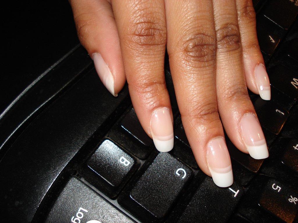 Uñas sobre teclado   Foto: Flickr