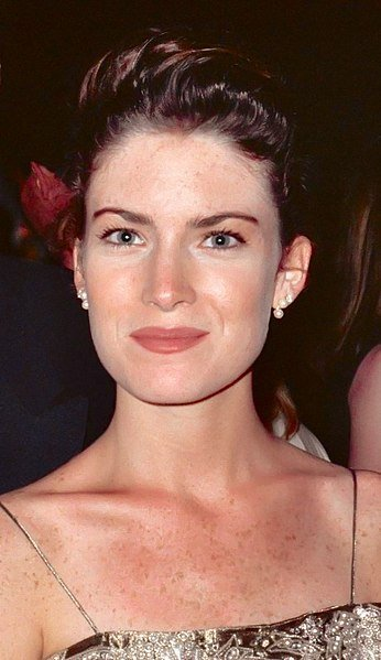 Lara Flynn Boyle at the 42nd Emmy Awards - Governor's Ball. | Source: Wikimedia Commons