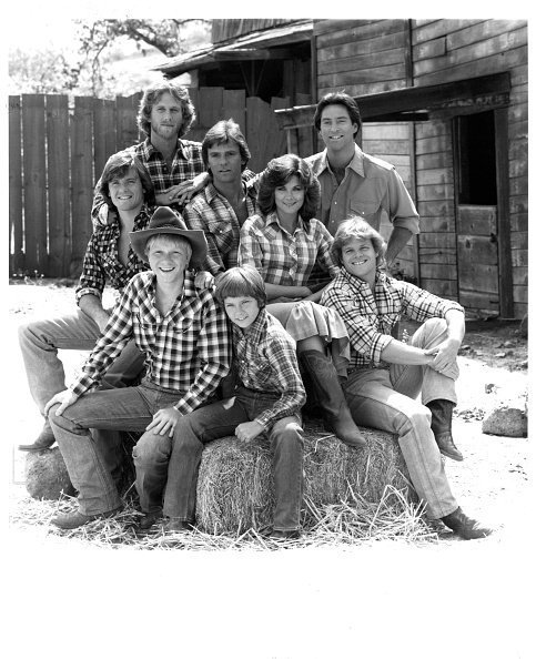 "Actors Peter Horton, Richard Dean Anderson, Drake Hogestyn, actress Terri Treas, Roger Wilson, Bryan Utman, River Phoenix and Tim Topper pose for the TV Series ""Seven Brides for Seven Brothers"" in 1982 