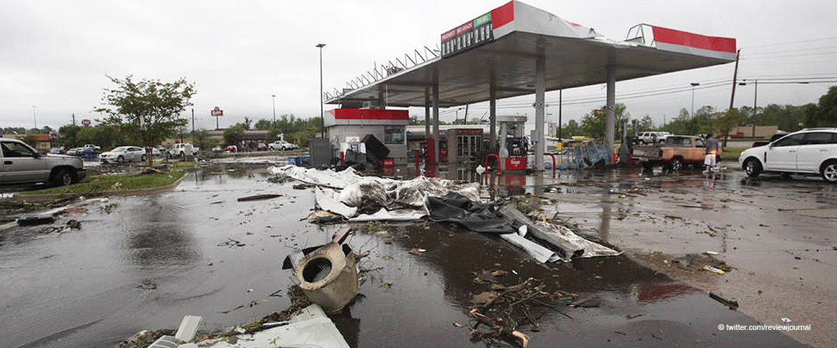 8 People Dead Including 3 Kids after Tornado Rips through the South