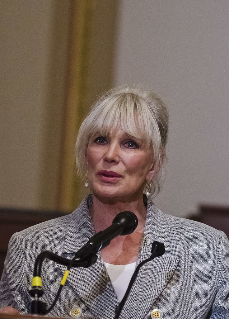 Linda Evans speaks during the Meals on Wheels Association of American press conference in Washington, D.C. on May 8, 2012 | Photo: Getty Images