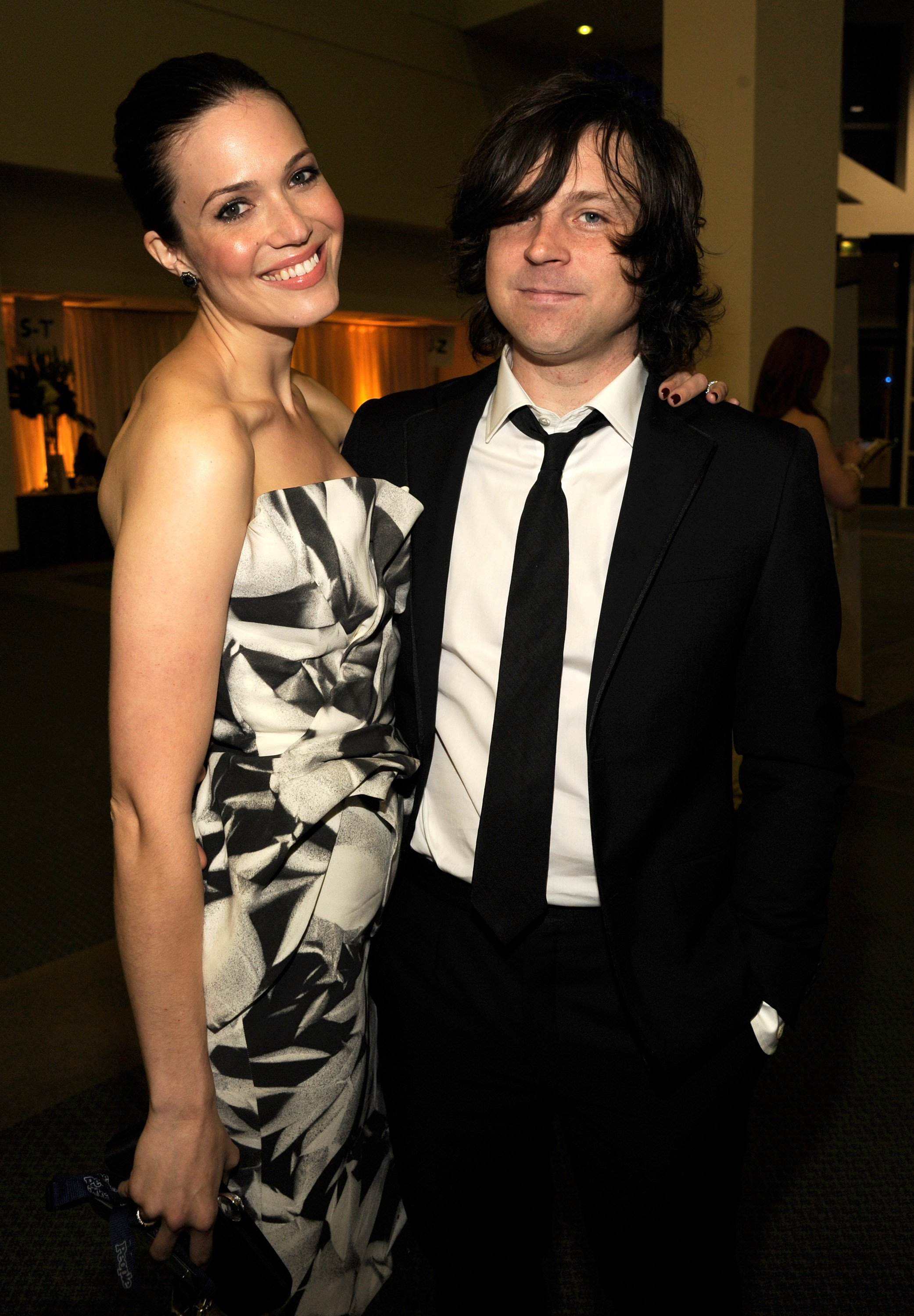 Mandy Moore alongside Ryan Adams while attending The 2012 MusiCares Person Of The Year Gala on February 10, 2012. | Photo: Getty Images.