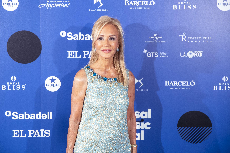 Carmen Lomana en sesión de fotos antes del concierto de Paul Anka en el Teatro Real de Madrid, el 15 de julio de 2019. | Fuente: Getty Images