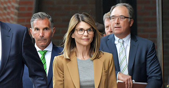 Lori Loughlin Reportedly Believes She Doesn't Deserve Jail