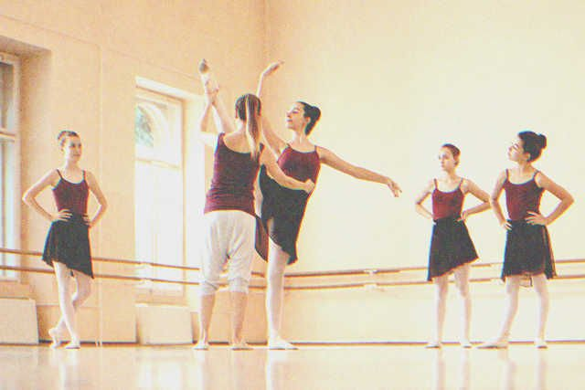 Dancers practicing ballet in a hall   Photo: Shutterstock