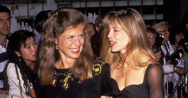 Linda Hamilton's Identical Twin Sister Dies Unexpectedly at 63