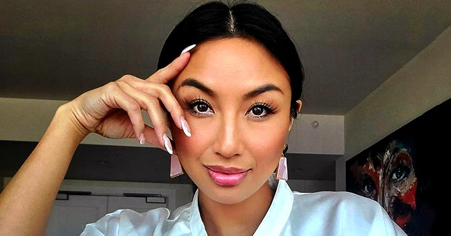 'The Real' Co-host Jeannie Mai Stuns in Skinny Top and Red Lipstick in a Gorgeous Selfie