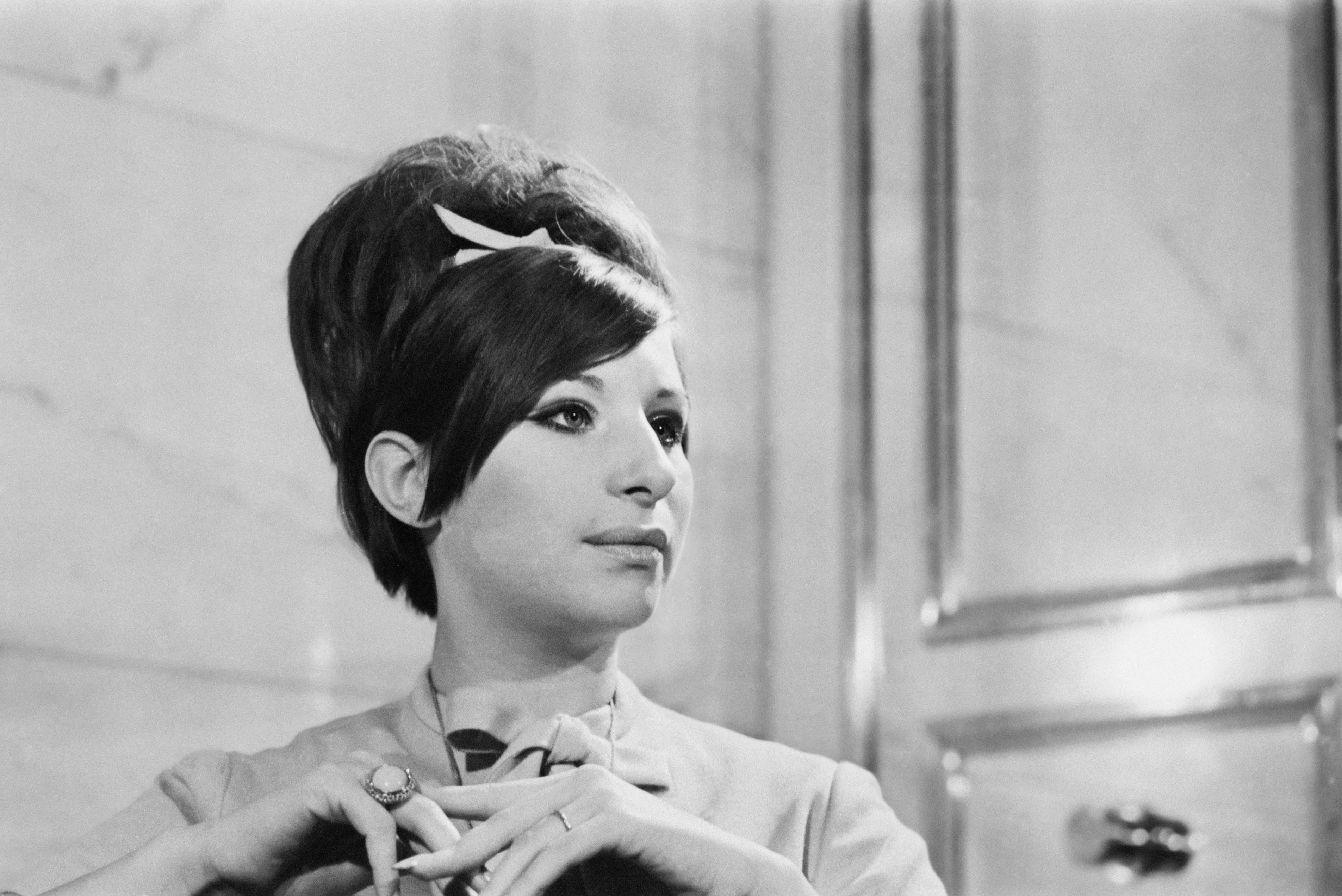 March 1966: American singer and actress Barbra Streisand | Photo: GettyImages