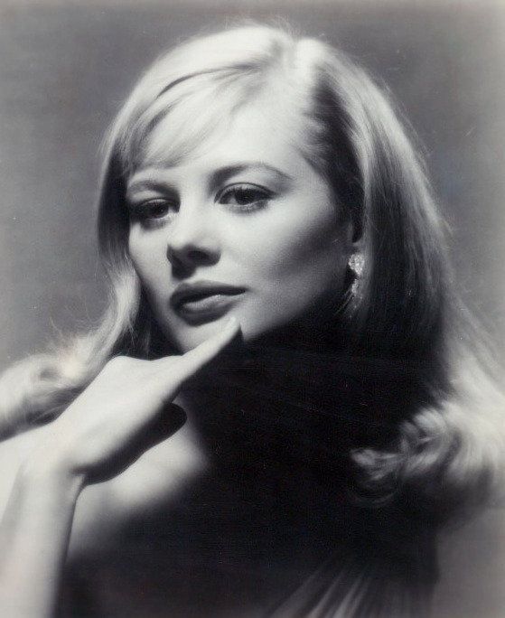 Press photo of Shirley Knight taken in 1963 | Photo: Wikimedia/eBay