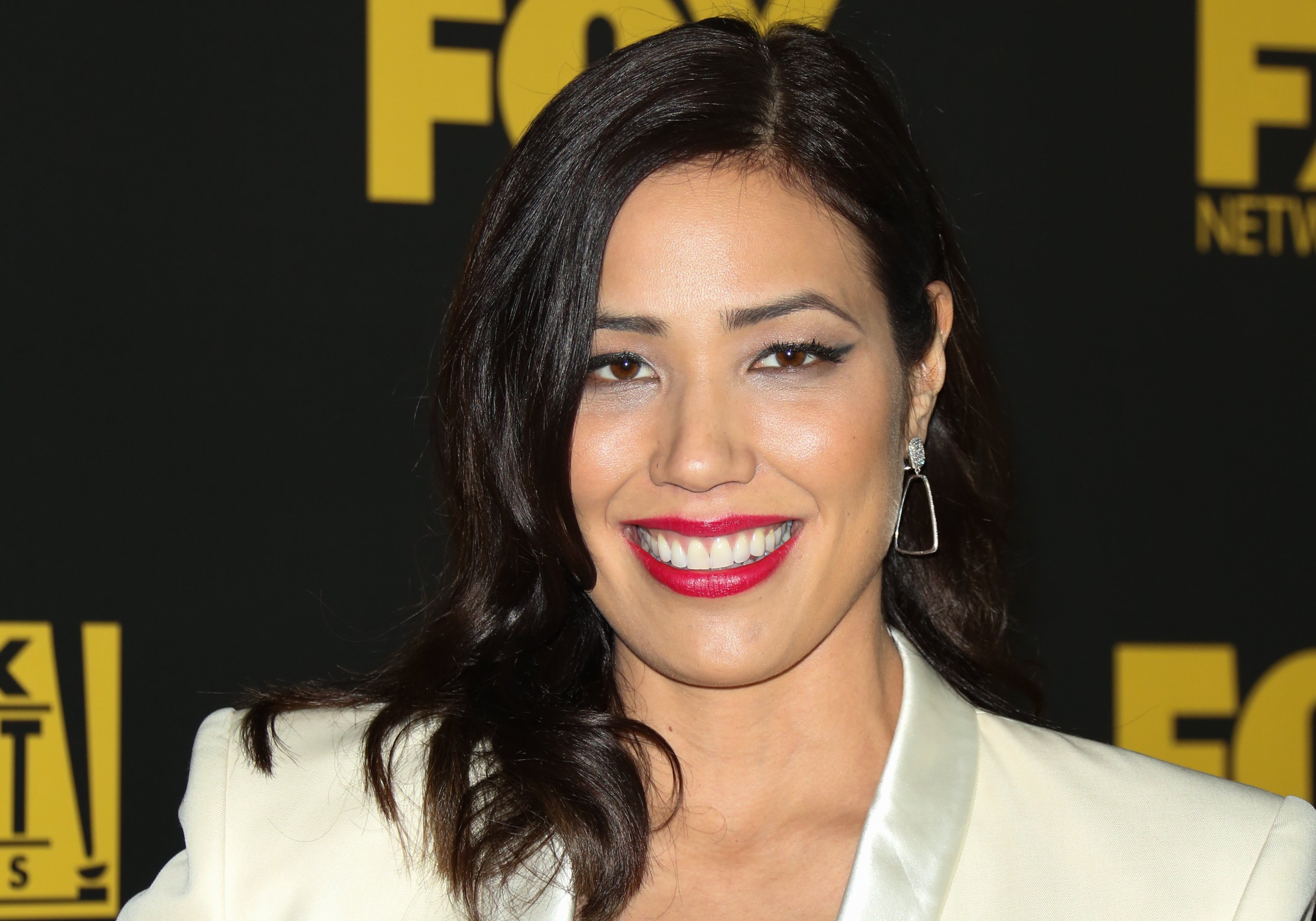 Michaela Conlin attends the Fox and FX's 2016 Golden Globe Awards Party on January 10, 2016, in Beverly Hills, California. | Source: Getty Images.