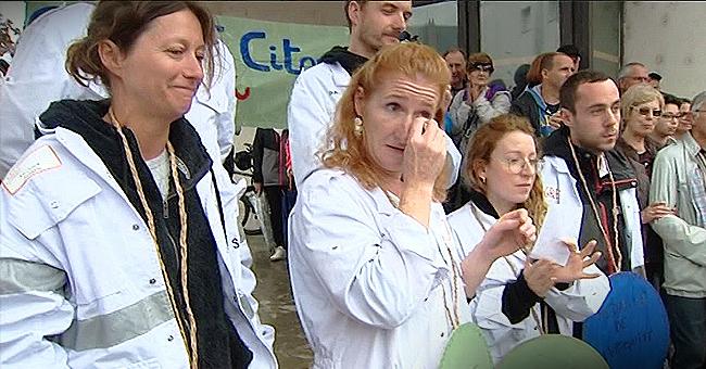 Jura : les soignants en larmes lors de la manifestation d'aide d'urgence