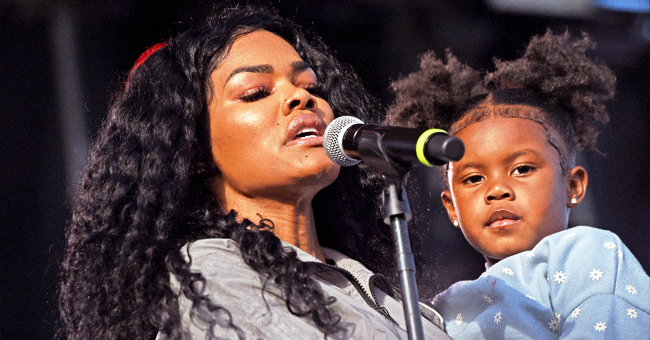 Teyana Taylor Sings with Daughter Junie at Dave Chapelle's Dayton Benefit Event after Mass Shooting