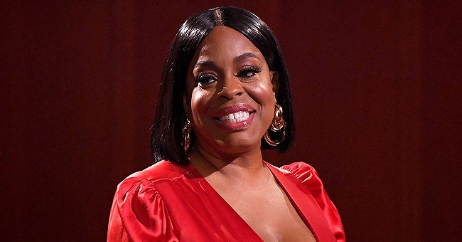 'Claws' Star Niecy Nash & Wife Jessica Betts Look Sweet Flashing Bright Smiles in Close-up Pic