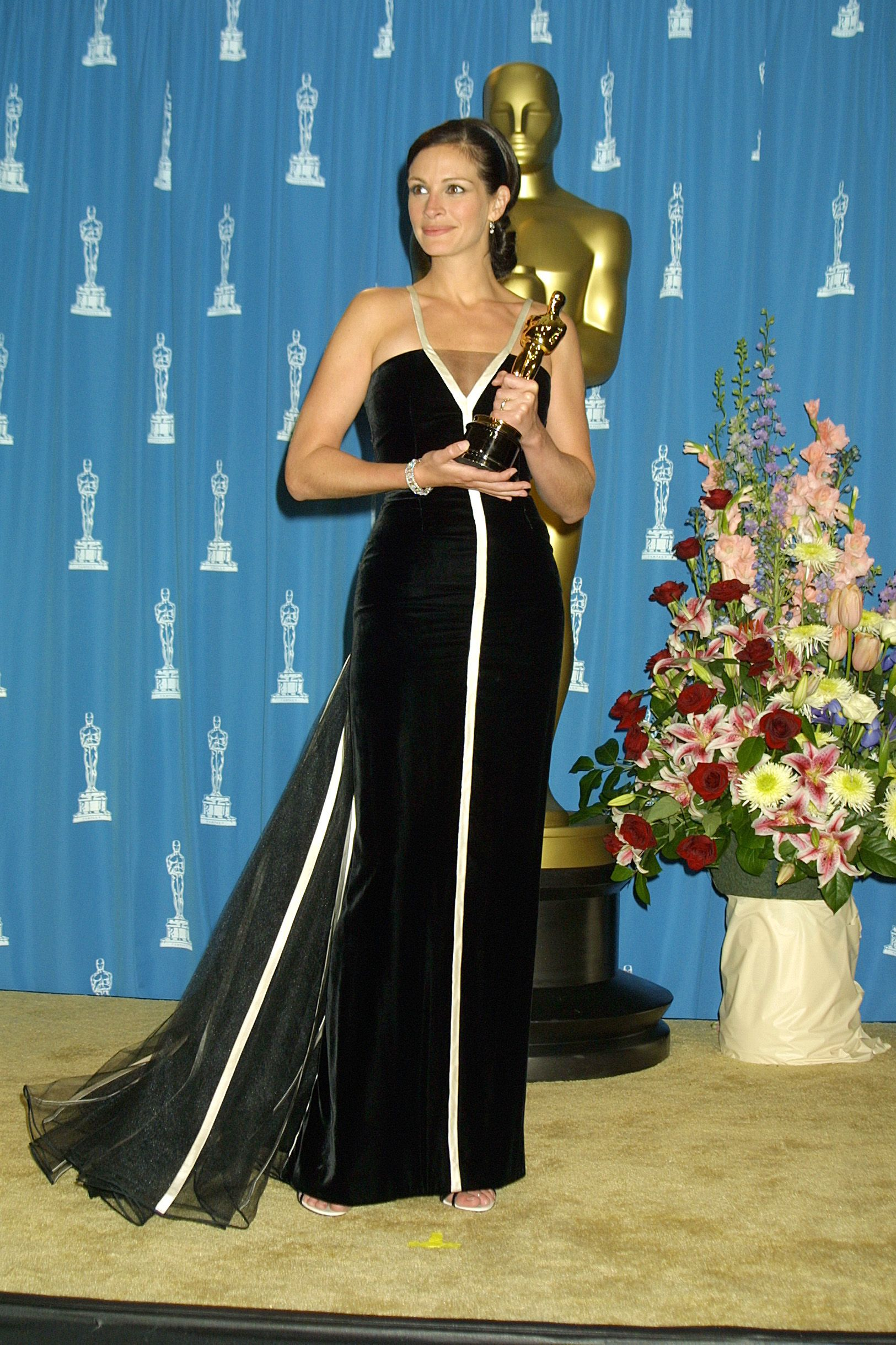 "Julia Roberts winning Best Actress for her role in ""Erin Brockovich."" 